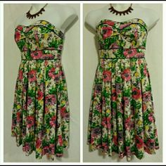 London Times Strapless Floral Pleated Dress London Times Strapless Floral Pleated Dress  CONTACT @allurestylitude to make purchases London Times Dresses Strapless