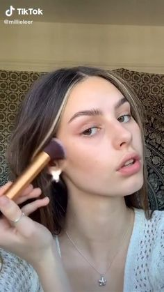 Natural makeup Brown Eye Makeup Tutorial, Wedding Makeup Tutorial, Makeup Tutorial Foundation, Makeup Inspo, Makeup Inspiration, Face Contouring Makeup, Makeup Tutorial For Beginners, Beginner Makeup, Makeup Tutorials