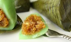 My Kitchen Snippets: Kuih Koci/Glutinous Rice Cake with Coconut Filling Indonesian Desserts, Asian Desserts, Asian Recipes, Healthy Recipes, Healthy Food, Rice Cake Recipes, Rice Cakes, Dessert Recipes, Sweet Sticky Rice