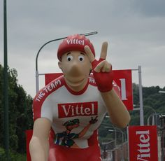 http://tousfoudelacaravane.xooit.fr/t252-CARAVANE-PUBLICITAIRE-VITTEL-2012.htm