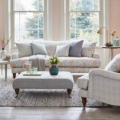 How to choose a sofa with…Vanessa Hurley-Perera of Sofa.com CLICK TO ACCESS