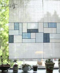 pojagi curtain in white and blues - 규방공예_모시 조각보 / 모시 조각가리개 : 네이버 블로그
