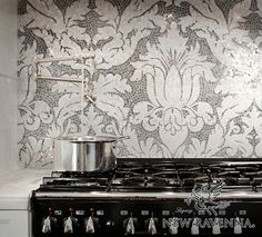 Hammerstein Residence | New Ravenna Mosaics at http://newravenna.photoshelter.com/gallery-image/Kitchens/G0000AQyBGPljaag/I0000vKgsfYOnIAs/C0000U7Nmr0Dj3GA/