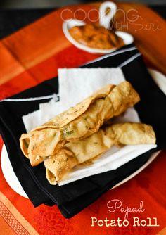 {Quick and Easy Snack Recipes} Papad #Potato Rolls - a Step by Step #Recipe Asian Snacks, Easy Snacks, Savory Snacks, Healthy Snacks, Delicious Vegan Recipes, Snack Recipes, Cooking Recipes, Vegetarian Snacks, Vegan Food