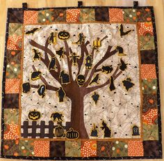 Halloween Countdown Calendar // Hand Quilted // Wall Hanging  https://www.etsy.com/listing/201722515/halloween-countdown-calendar-hand?ref=shop_home_feat_1