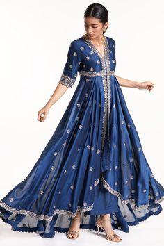 Indian Fashion Dresses, Indian Designer Outfits, Indian Outfits, Indian Gowns, Indian Clothes, Ethnic Fashion, Indian Wear, Fashion Clothes, Designer Lehnga Choli
