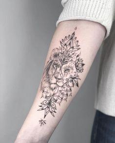 foot tattoos top of Leo Tattoos, Body Art Tattoos, Hand Tattoos, Sleeve Tattoos, Tattos, Forearm Flower Tattoo, Mandala Tattoo, Forearm Tattoos, Pretty Tattoos