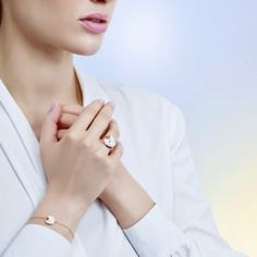 cc63e033cc3f I wish to hold our love dear.  Unlockyourwish  AmulettedeCartier   amulette motherofpearl Make A