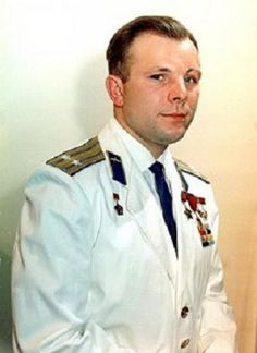 Formal portrait of Yuri Gagarin (1934 – 1968), a Russian cosmonaut, the first human in space, wearing a Soviet Air Force uniform. Photo: 1962. #Russian #cosmonaut #Yuri_Gagarin