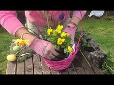 Make an Easter Basket in Minutes!