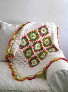 Love Crochet: Crochet baby flower blanket