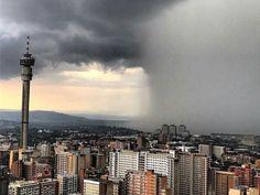 10 Nov 2016 Wolkbreuk oor Johannesburg in Gauteng provinsie Suid Afrika Tornados, Thunderstorms, Johannesburg City, Namibia, No Rain, My Land, Seattle Skyline, That Way, South Africa