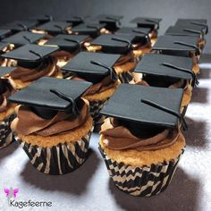 Graduation cupcakes to Henley Business School Danmark Business School, Graduation Cupcakes