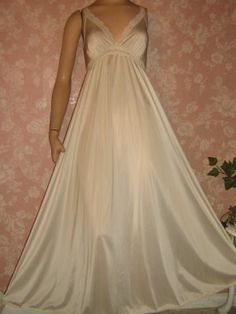 Olga Nightgown Vintage Style 9633 S M Bridal White Long Full Sweep Satin  Lingerie 58690dfd7