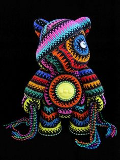 Jan Huling's Whimsical Sculptures Covered With Thousands Of Beads