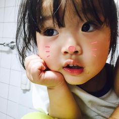 "7,603 Likes, 50 Comments - 권 율이 (@1004yul_i) on Instagram: ""뀨 ? 입 지지야 ~~ #고양이같은토끼 #권율이 #사랑둥이 #koreanbaby"""