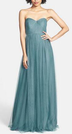 Gorgeous gown in vintage teal http://rstyle.me/n/sbtjan2bn