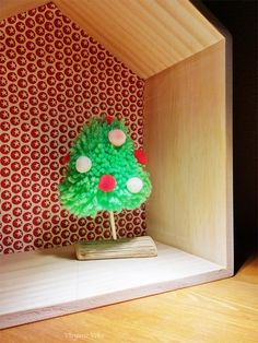 Sapin de Noël en pompons / Pompons christmas tree