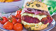 Vegetariskt | Allas Recept Halloumi, Lchf, Salmon Burgers, Mozzarella, Hamburger, Ethnic Recipes, Food, Salmon Patties, Essen