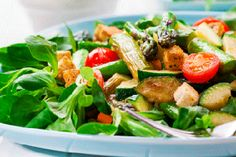 This asparagus with haloumi, mandarin dressing and honeyed almonds Recipes Eat Well with Bite is a better for your dinner made wi. Haloumi Cheese, Almond Chicken, Chicken Bites, Grilled Asparagus, Roasted Almonds, Kraft Recipes, Almond Recipes, Grain Free, Vegetarian Recipes