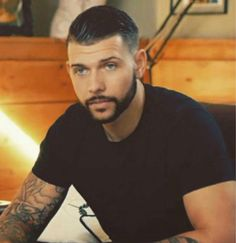 """""""Jay from the show Tattoo Fixers is so hot """" Hot Guys Tattoos, Hair Tattoos, Cool Tattoos, Jay Hutton Tattoos, Tattoo Fixers, Worlds Best Tattoos, Its A Mans World, Hair And Beard Styles, Sexy Men"""