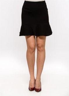 Fusta neagra cu volan Mini Skirts, London, Collection, Fashion, Moda, Fashion Styles, Mini Skirt, Fashion Illustrations, London England