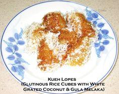 Kueh Lopes (Glutinous Rice Cubes with White Grated Coconut & Gula Melaka) | Marishia's Kreative Kitchen