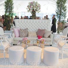 Wedding backdrop reception lounge areas ideas for 2019 Lounge Decor, Lounge Seating, Lounge Areas, Outdoor Seating, Cocktail Wedding Reception, Wedding Lounge, Gatsby Wedding, Wedding Seating, Cocktail Tables