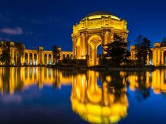 Palace of Fine Arts at Night, San Francisco, California  Hemis.fr / SuperStock
