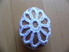 Húsvéti minták leírása - horgoltekszerek.lapunk.hu Jewerly, Crochet Earrings, Floral, Baskets, Jewlery, Bijoux, Schmuck, Florals, Hampers