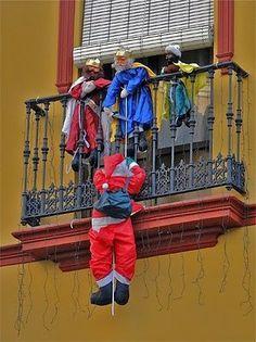A los Reyes no les gusta la competencia de Papá Noel ^^