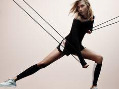 La collab Pedro Lourenço x Nike x Karlie Kloss http://www.vogue.fr/beaute/buzz-du-jour/diaporama/pedro-lourenco-x-nike-x-karlie-kloss/20885#!4
