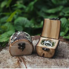 Beautiful rustic wedding ring boxes. Wedding ideas. Rustic Wedding Rings, Wedding Ring Box, Easy Diy, Cufflinks, Rings For Men, Place Card Holders, Accessories, Inspiration, Beautiful