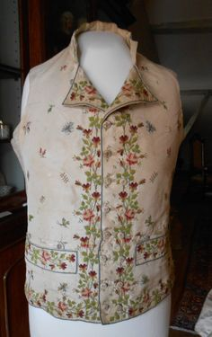 Gilet 18ÈME Siècle Late 18th Century Waistcoat | eBay                                                                                                                                                                                 Plus 18th Century Dress, 18th Century Clothing, 18th Century Fashion, Antique Clothing, Historical Clothing, Men's Fashion, Fashion History, Great Costume Ideas, Men's Waistcoat