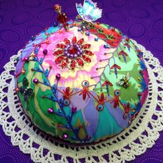 "Kathy Miller. Kaffe fabrics. Pincushion tutorial @ ""ivoryblushroses.com"". Stick pins @ ""SusanClarkeOriginals ""."