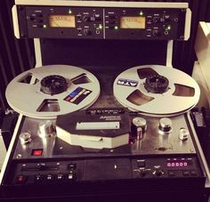 AMPEX ATR-800, along with the ATR-700,  was made for Ampex by Tascam. This engendered anger and resentment by USA customers and led to Ampex's rapid decline in the market. They were excellent nonetheless, and compared with the Studer B67. Far better than the Otari MX-5050 in my experience.