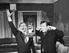 Το 1964 ο Φίνος αποφασίζει να δώσει κινηματογραφική «σάρκα και οστά» σε ένα εξαιρετικά ενδιαφέρον θεατρικό έργο των Πολύβιου Βασιλειάδη και Νίκου Τσιφόρου, που είχε τον τίτλο «Οι κληρονόμοι». Στείλε μας το δικό σου άρθρο!!! Το θέμα του έργου ήταν εκείνο που του προξ Greek, Cinema, Jokes, Park, Couple Photos, Couples, Artist, Couple Shots, Movies