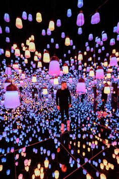 Tokyo is a dizzying whirl of activity, and the art installations at teamLab Bord. Tokyo is a dizzying whirl of activity, and the art installations at teamLab Borderless illustrate that perfectly 💡 Get our guide to Tokyo at the link in bio! Tokyo Japan Travel, Japan Travel Tips, Travel And Leisure, Japan Trip, Tokyo Trip, Tokyo City, Tokyo Vacation, Japon Tokyo, Tokyo 2020