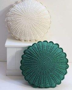Crochet Pillow Patterns Free, Crochet Motifs, Crochet Doilies, Crochet Stitches, Knitting Patterns, Afghan Patterns, Crochet Granny, Crochet Home Decor, Diy Crochet