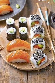 Sushi is one of my favorite foods. My Favorite Food, Favorite Recipes, Plats Healthy, Sushi Recipes, Exotic Food, Food Goals, Aesthetic Food, Food Cravings, Soul Food