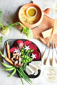コンテフォンデユ&バーニャカウダ 野菜を美味しくお洒落に食べよ♪ レシピブログ Bar Menu, My Recipes, Cheese, Food, Meal, Essen, Hoods, Meals, Eten