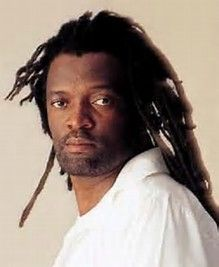 18 October – Lucky Dube reggae singer, is shot dead during a car hijacking in Rosettenville suburb of Johannesburg. Bob Marley Smoking, Lucky Dube, Man Of Peace, Rodney King, Calypso Music, Reggae Artists, Fight For Freedom, Instagram Blog, White Man
