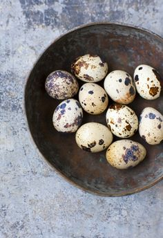Quail eggs in bowl | Easter decoration
