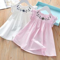 Baby Girl Fashion, Toddler Fashion, Toddler Girl Dresses, Girls Dresses, Kids Girls Tops, Kids Dress Patterns, Baby Dress Design, Latest Fashion Dresses, Frocks For Girls