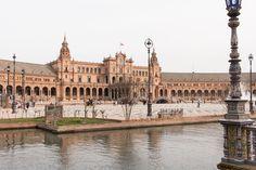 Piata Spania din Sevilla. Poate cea mai frumoasa din toata Spania Mai, Louvre, Building, Travel, Andalusia, Sevilla, Construction, Trips, Buildings