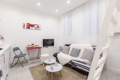 Studio with mezzanine, fitting up to 4 guests. Just next to the Hotel de Ville and le Marais.