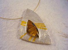 Estrella. Colgante de plata y oro de 24 por RosaTejadaJoies en Etsy, €212.00