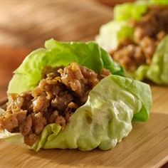 Hungry Girl's Day-Off Diet Lettuce-Wrapped Turkey Burger With Southwestern Black Beans : Enjoy a burger guilt-free with this recipe. Healthy Recipes, Asian Recipes, Healthy Snacks, Healthy Eating, Cooking Recipes, Ethnic Recipes, Cooking Tips, Ninja Recipes, Protein Snacks