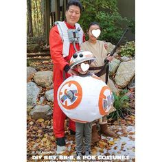 STAR WARS HALLOWEEN! DIY Rey, Poe and BB-8 Costumes. Click URL in bio for complete DIY instructions. #starwars #poe #poedameron #rey #bb8 #starwars #starwarsfan #starwarsgirl #starwarsparty #starwarsgeek #starwarslife #geek #geeky #geeklife #nerd #starwarslove #starwarsday #maythefourthbewithyou #maythefourthebwithyouparty #starwarskids #starwarscostumes #starwarscostume #starwarscosplay #cosplay #cosplayer #halloween #halloweencostume #costume #ducttape @starwars