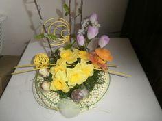 Ikebana na stôl veľkonočné kuriatko